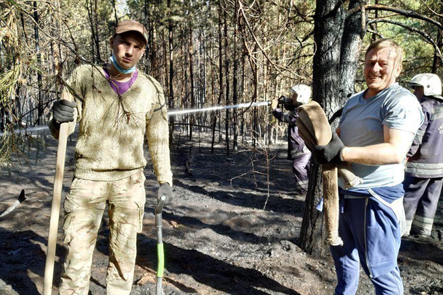 7 4 - <b>«Кому теперь нужна эта пустыня Сахара?»</b> В Луганской области горят леса и села, а волонтеры — тушат - Заборона