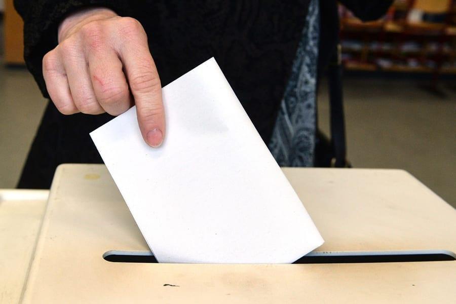 8 8 - <b>Скоро выборы.</b> Заборона объясняет, куда выбрасывать агитки и как определиться со своим кандидатом без рекламы - Заборона