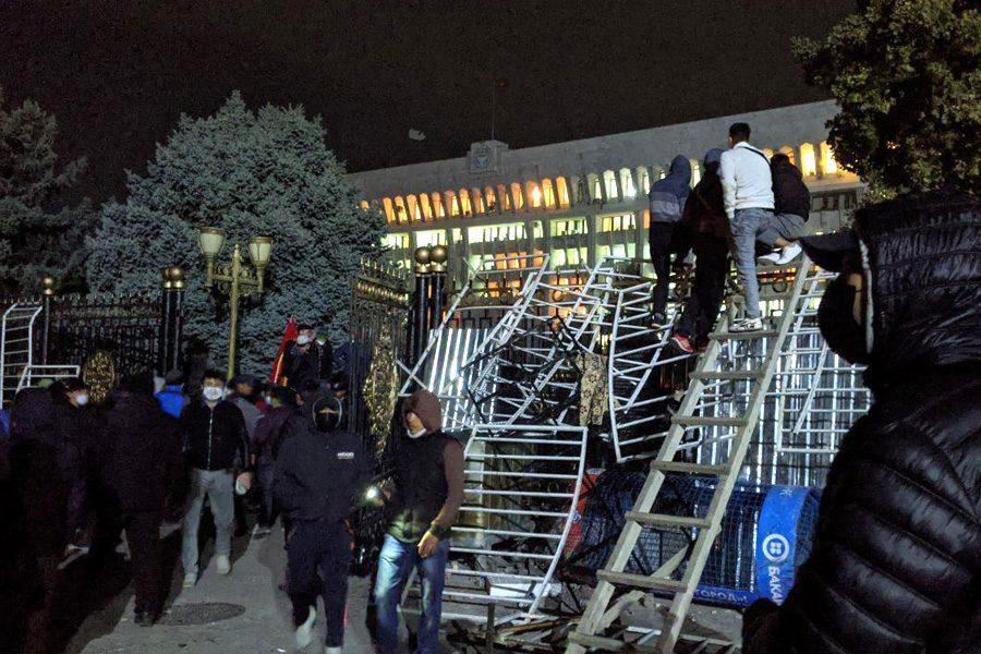 foto bekzhan asыlbekov kloop - <b>В постсоветских странах то и дело вспыхивают вооруженные конфликты и протесты.</b> Рассказываем, что это значит - Заборона