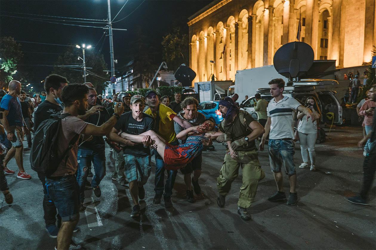 09423580 9 - <b>На виборах в Грузії виграла правляча партія, опозиція каже про фальсифікації та збирає мітинги.</b> Коротко розповідаємо, що відбувається - Заборона