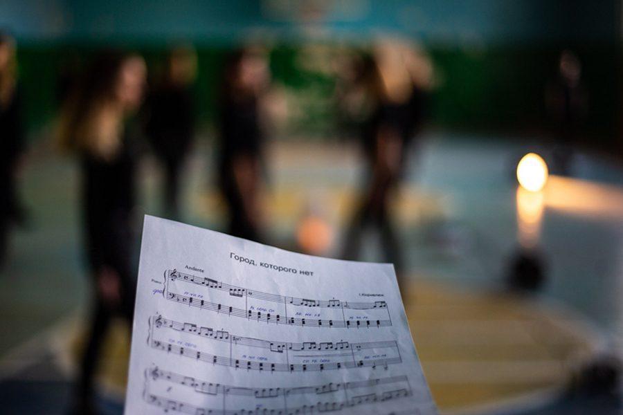 1 2 - <b>Звуки и позы Донбасса.</b> Театральный проект «Город с собой» рассказывает о жизни школьников из прифронтовых городов - Заборона