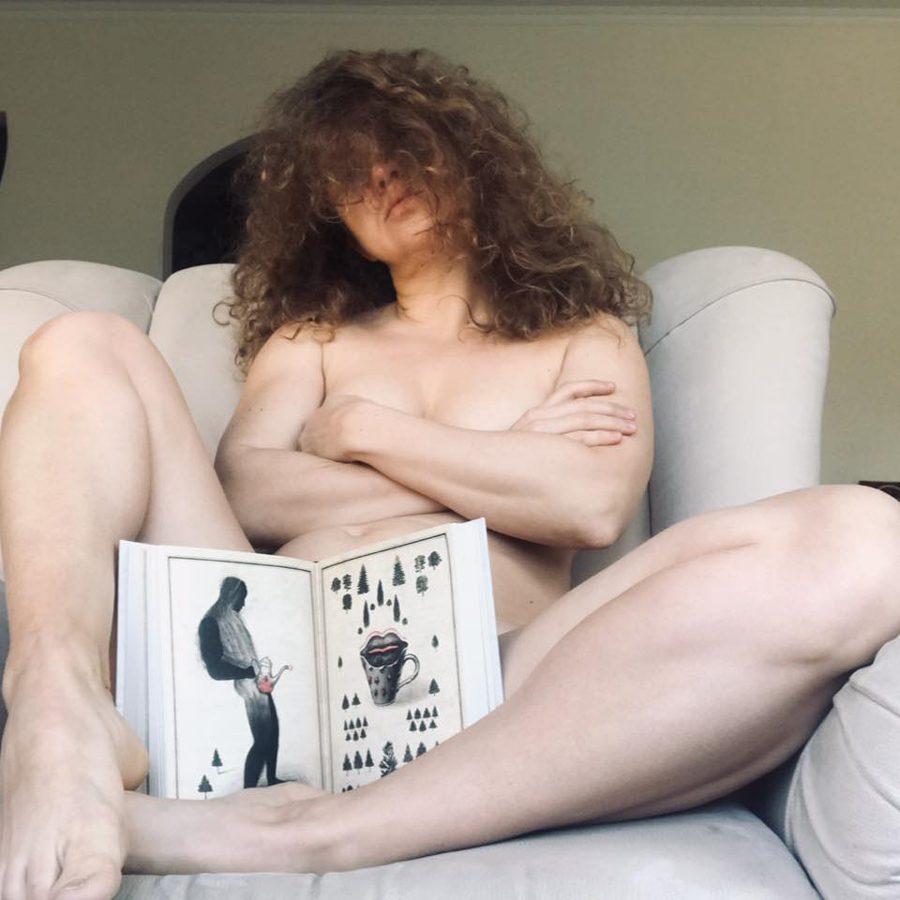 4 5 - <b>Секс, тілесність та війна.</b> Як письменниця Гаська Шиян підіймає табуйовані теми в книжках — і чому її за це критикують - Заборона