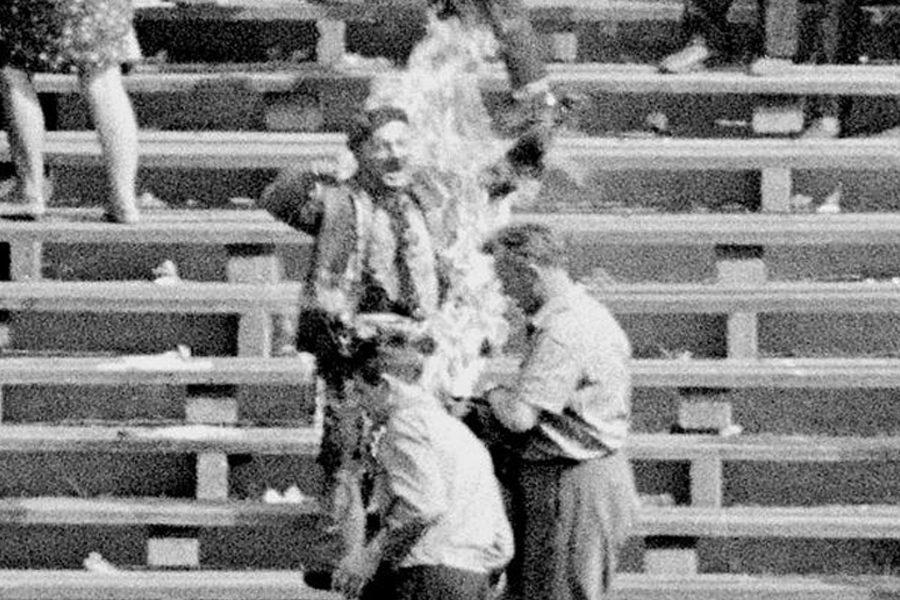 7 10 - <b>Самосожжение как протест.</b> Почему люди на постсоветском пространстве поджигают себя - Заборона