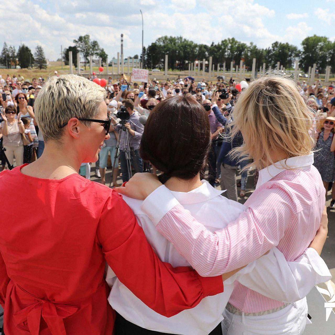 belarussian women 01 - <b>«Нечего было нас злить».</b> Заборона называет главного героя 2020 года - Заборона