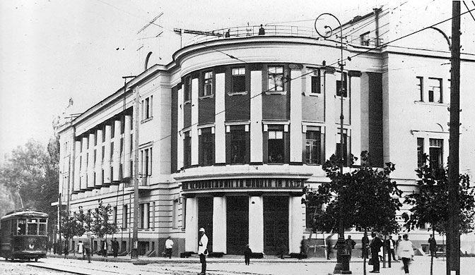 house of the red army and navy house of officers in kiev arcitect joseph karakis - <b>«Безродные и буржуазные»:</b> как еврейские архитекторы строили советские города и теряли из-за этого работу - Заборона