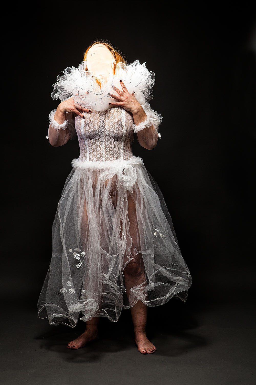 marchenko reusable objects 04 - <b>Свадебное платье не используют дважды.</b> Ксения Марченко — в «Уровне цензуры» - Заборона