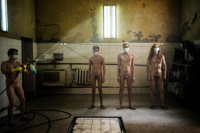 young and free desinfection issue 2020 web - <b>Молодые, но свободные ли?</b> Проект Сергея Мельниченко — в «Уровне цензуры» - Заборона