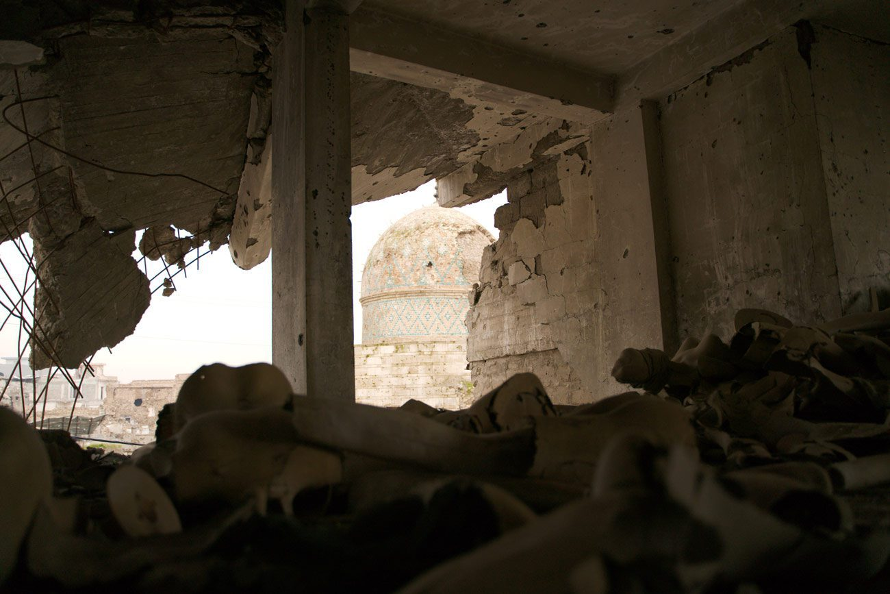 enno lenze mosul 02 - <b>Khadija and Her Boys.</b> What It's Like Searching for Family Lost in the Islamic State - Заборона