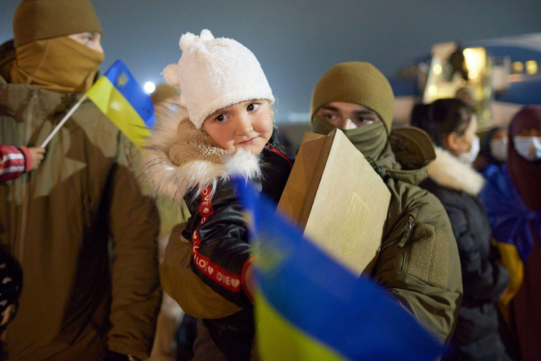evacuated 01 - <b>Недоэвакуация.</b> Почему Украина не смогла вернуть всех граждан из сирийских лагерей для семей бывших игиловцев и как живут те, кого спасли - Заборона