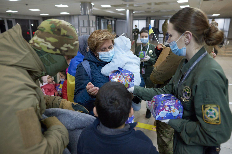 evacuated 07 - <b>Недоэвакуация.</b> Почему Украина не смогла вернуть всех граждан из сирийских лагерей для семей бывших игиловцев и как живут те, кого спасли - Заборона