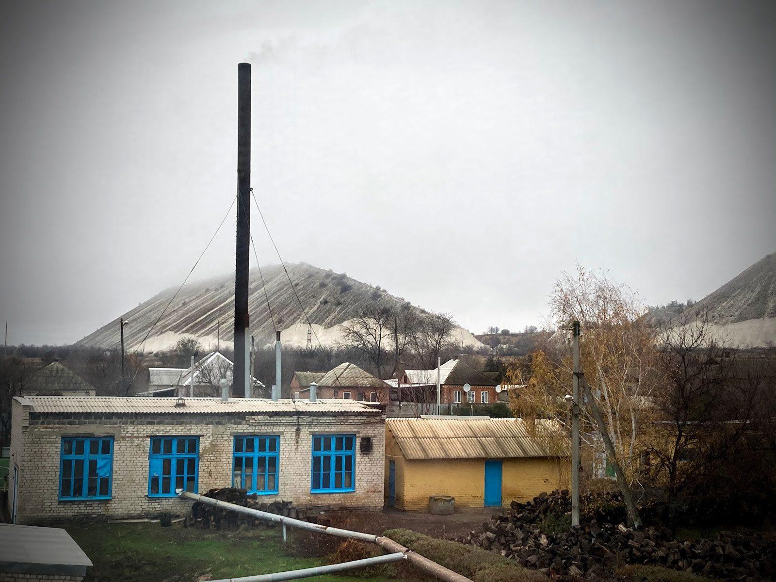 raigorodok 05 - <b>Сонце України встає на Донбасі.</b> Особистий репортаж з містечка Райгородок - Заборона