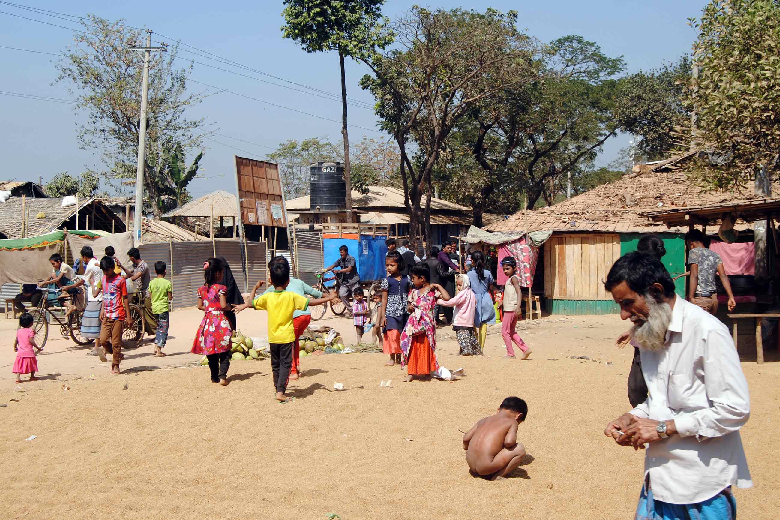 rohingya refugees camp in 2019 - <b>У М'янмі переворот, владу (знову) захопила військова хунта.</b>  За її правління був геноцид народу рогінджа - Заборона
