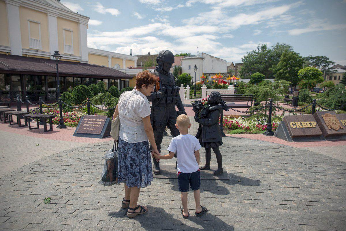 crimea and world 02 - <b>«Мы семь лет говорили лозунгами».</b> Рассказываем, как мир и Украина борются за деоккупацию Крыма - Заборона