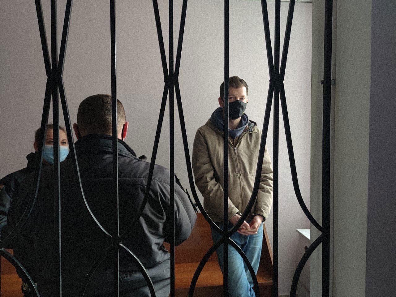 nikiforov free 01 - <b>Евгения Никифорова выпустили под ночной домашний арест.</b> Его пытались избить и ограбить, а теперь шьют дело - Заборона