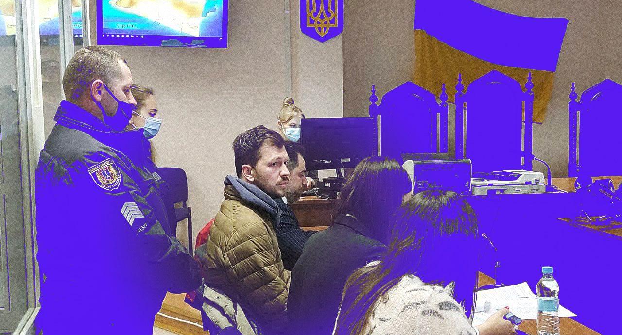 Евгения Никифорова выпустили под ночной домашний арест. Его пытались избить и ограбить, а теперь шьют дело
