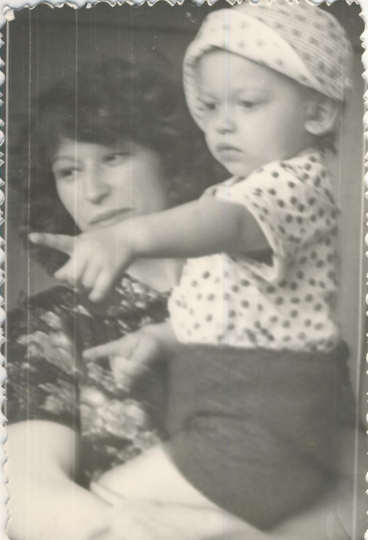 adnriy family 03 - <b>В поисках родителей.</b> Рассказываем истории тех, кто отыскал самых близких людей через много лет - Заборона