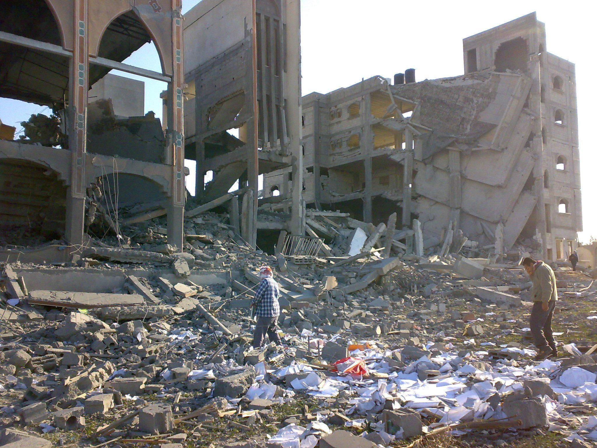 destroyed mosque 02 - <b>Ізраїль звинувачують у злочинах проти людяності та апартеїді.</b> Що сталося та чому країни поки не підтримують ці обвинувачення - Заборона
