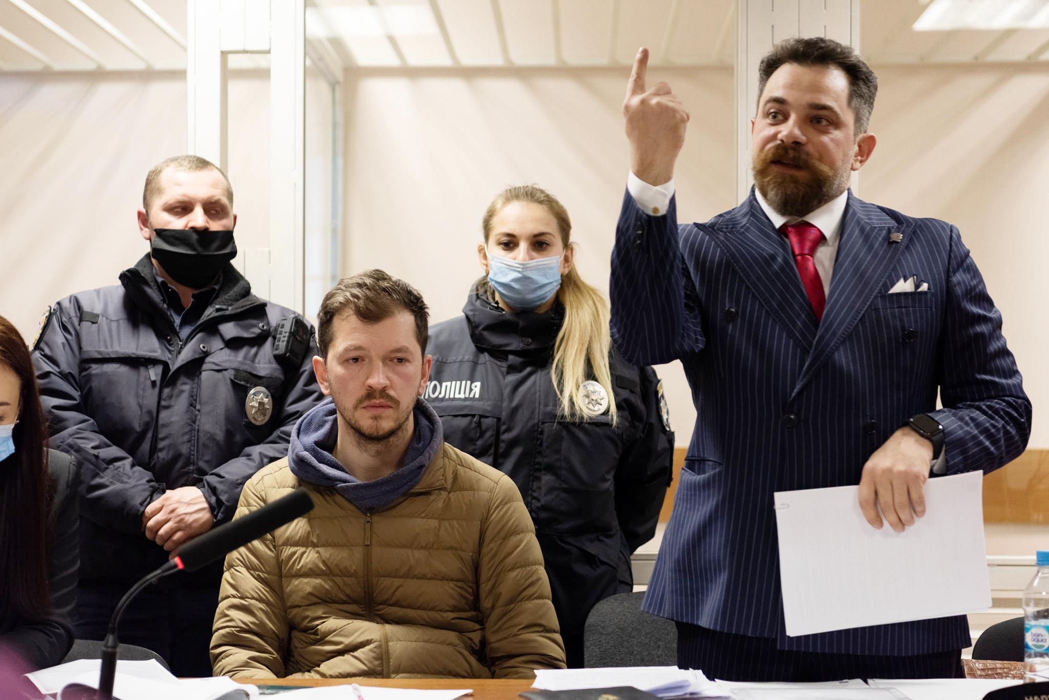 hora 02 - <b>Фотографа Нікіфорова помістили під цілодобовий домашній арешт.</b> Цього вимагало обвинувачення в апеляції - Заборона