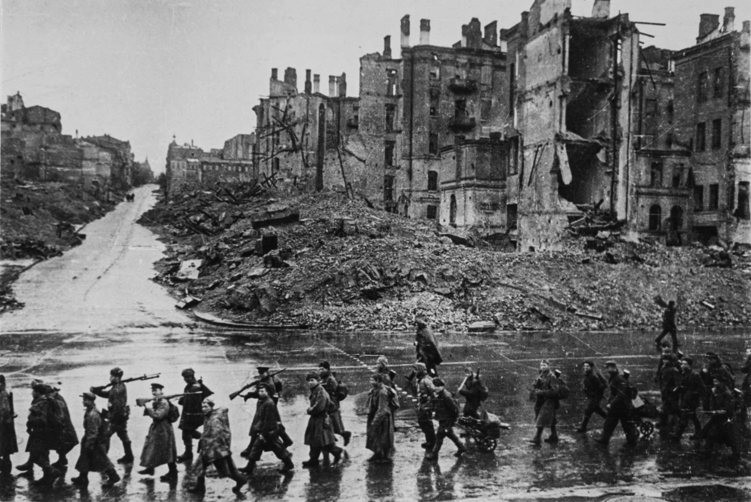kiev 1943 - <b>Забута архітектура 1930-х.</b> Що варто знати про міжвоєнні проєкти у Києві - Заборона