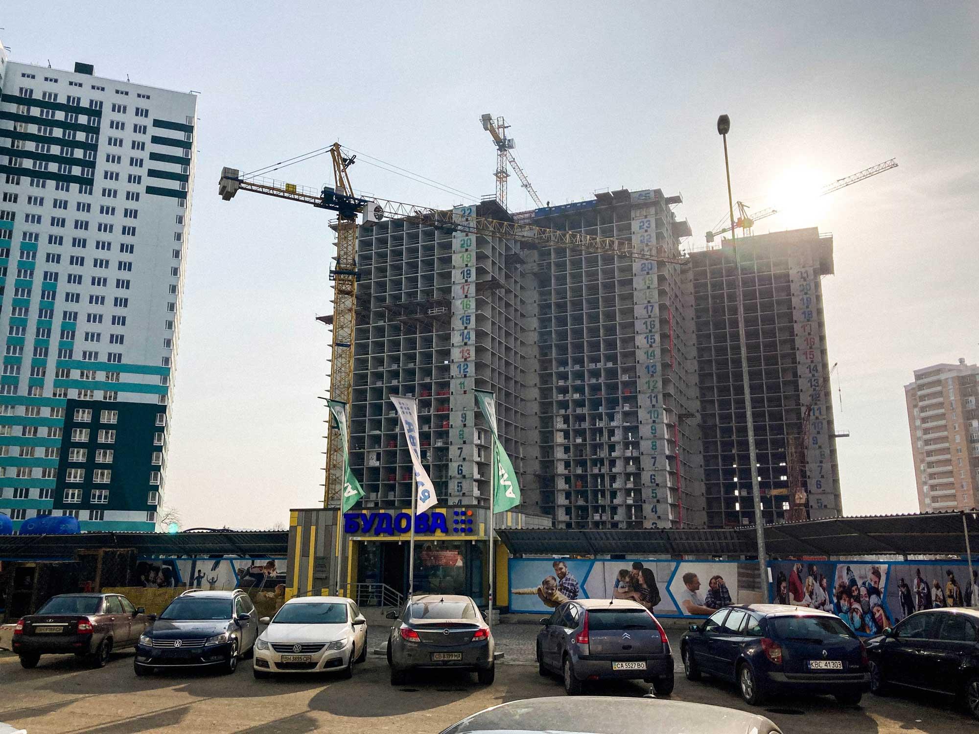 odesa property pelymski 01 - <b>75 метров беззакония.</b> В Одессе строят жилой комплекс, который угрожает полетам и госбезопасности - Заборона