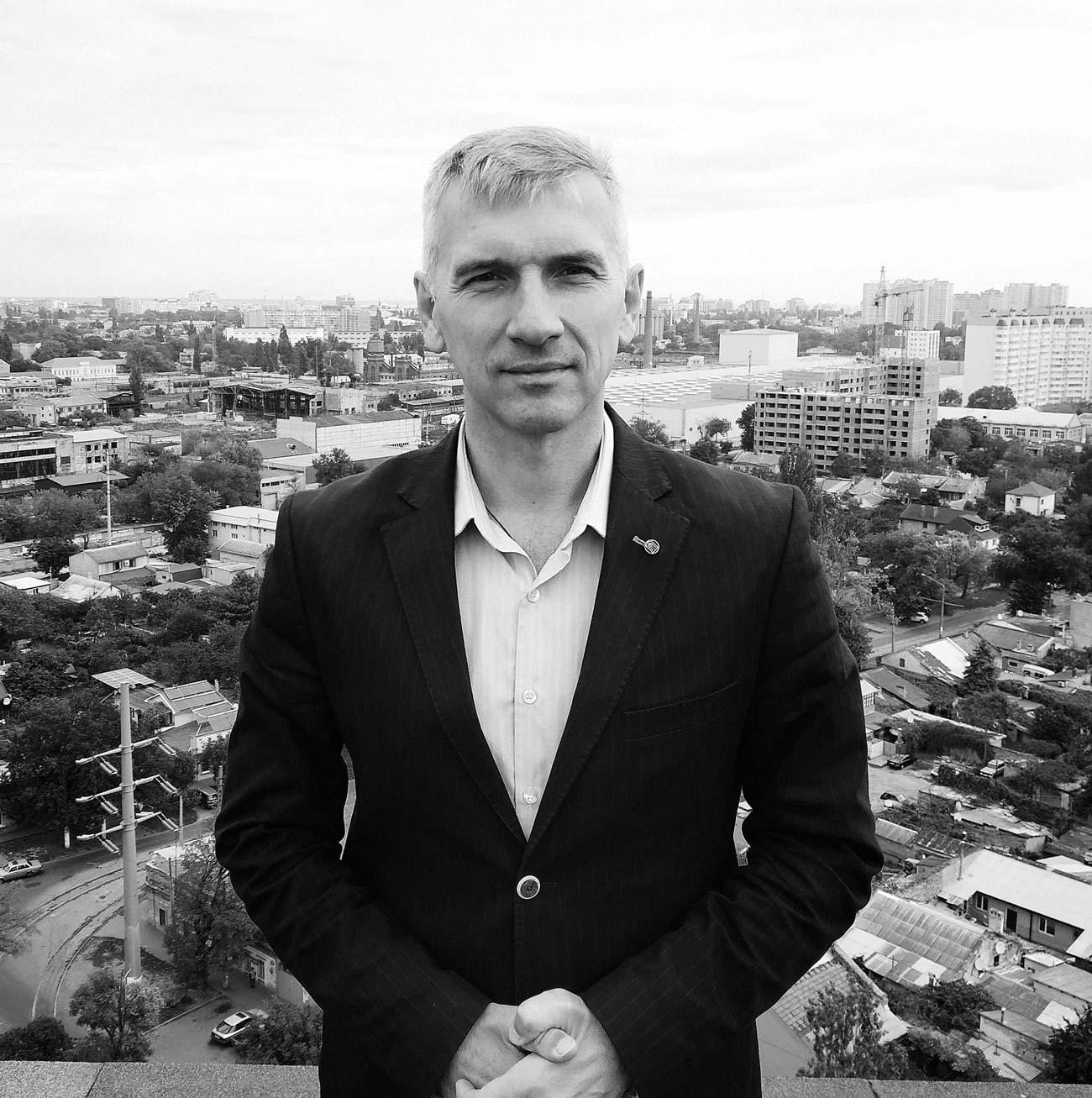 oleg mychailyk - <b>75 метров беззакония.</b> В Одессе строят жилой комплекс, который угрожает полетам и госбезопасности - Заборона