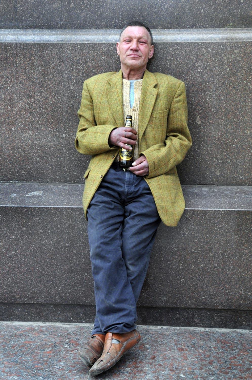 slaviks fashion fb 07 - <b>Мода Славика.</b> Фотосерия о львовском бездомном — в «Уровне цензуры» - Заборона