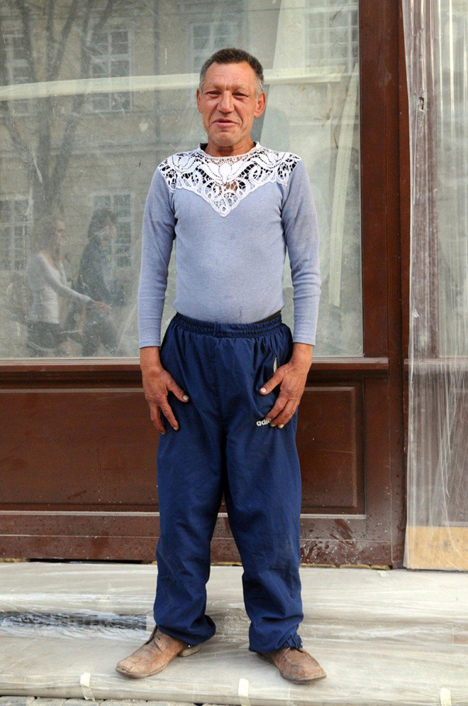 slaviks fashion fb 11 - <b>Мода Славика.</b> Фотосерия о львовском бездомном — в «Уровне цензуры» - Заборона