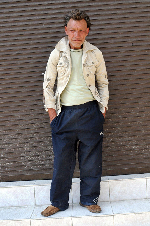 slaviks fashion fb 13 - <b>Мода Славика.</b> Фотосерия о львовском бездомном — в «Уровне цензуры» - Заборона