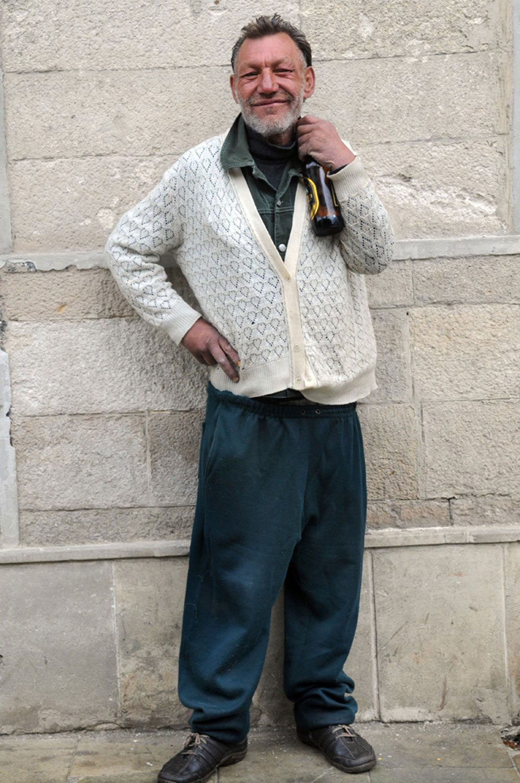 slaviks fashion fb 23 - <b>Мода Славика.</b> Фотосерия о львовском бездомном — в «Уровне цензуры» - Заборона