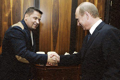 vladimir putin with nikolay rastorguev 22 february 2007 - <b>Шість мільйонів слів брехні.</b> Путівник хейтерською музикою від Заборони - Заборона