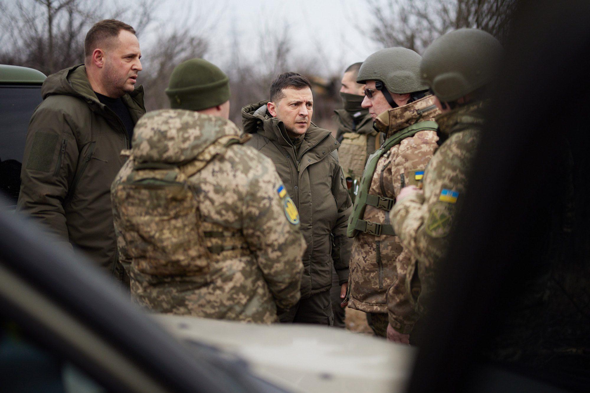 zelenskyi in donbass - <b>Russia Moves Military To Ukrainian Border.</b> We Explain What's Going On - Заборона