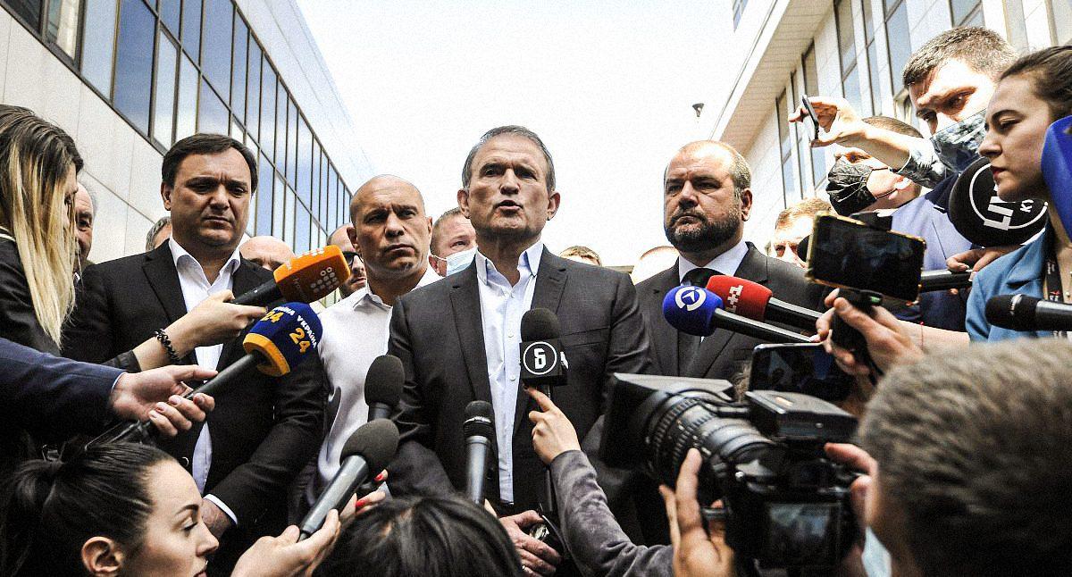 Medvedchuk Accused of Treason: Zelenskyy's First De-Oligarchization