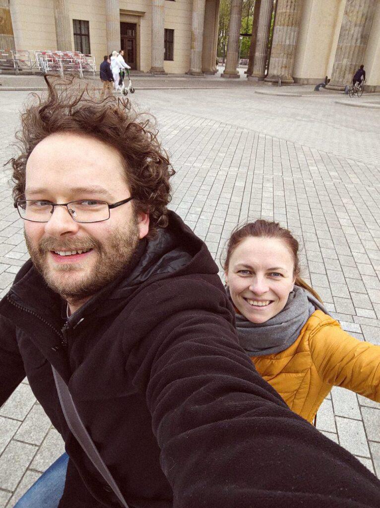 iryna and pavlo 766x1024 - <b>Стосунки на відстані в пандемію:</b> як #LoveIsNotTourism допомагає парам в усьому світі - Заборона