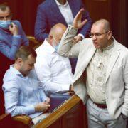 Їздив «на килим» до Лукашенка та виступав на прокремлівському каналі: чим запам'ятався Євгеній Шевченко, якого виключили зі «Слуги народу»