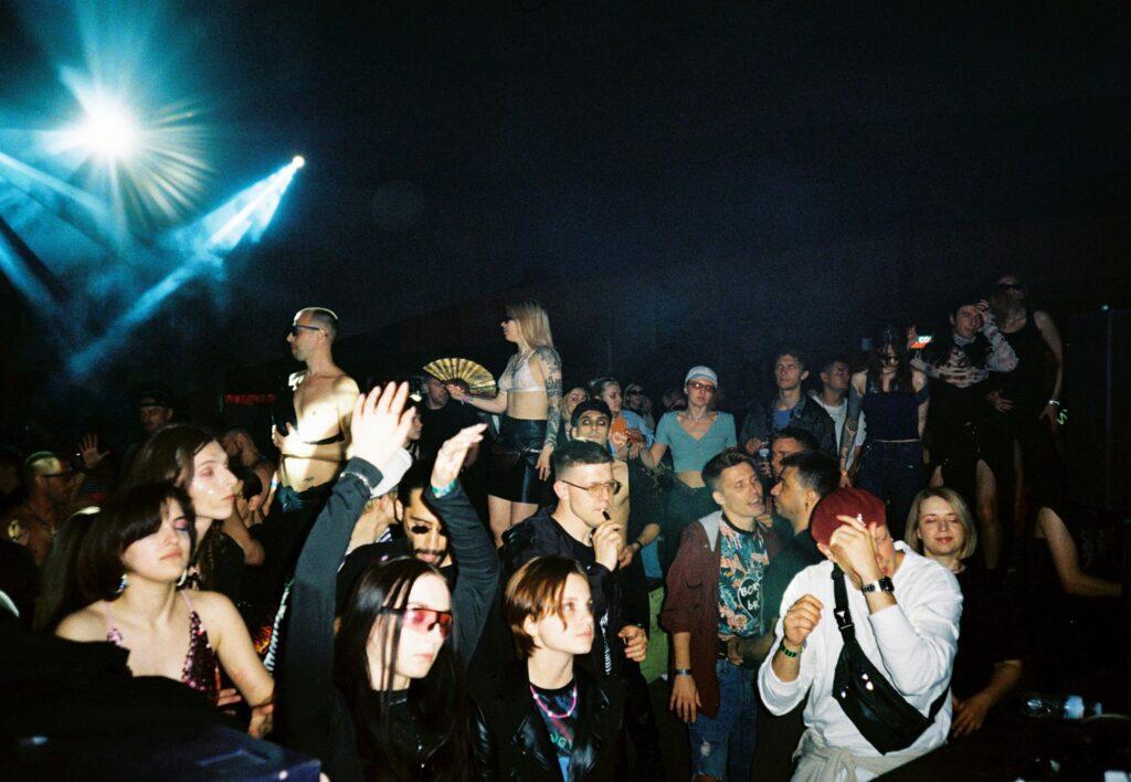 queer veselka 86 1024x708 - <b>Квир Veselka.</b> Как диджей Стас Твиман создает безопасные небинарные вечеринки — и почему это важно для Киева - Заборона