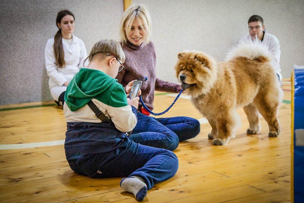 social cynology 1483 1024x683 - <b>Одно сердце на двоих.</b> Как собаки помогают людям с инвалидностью и без - Заборона