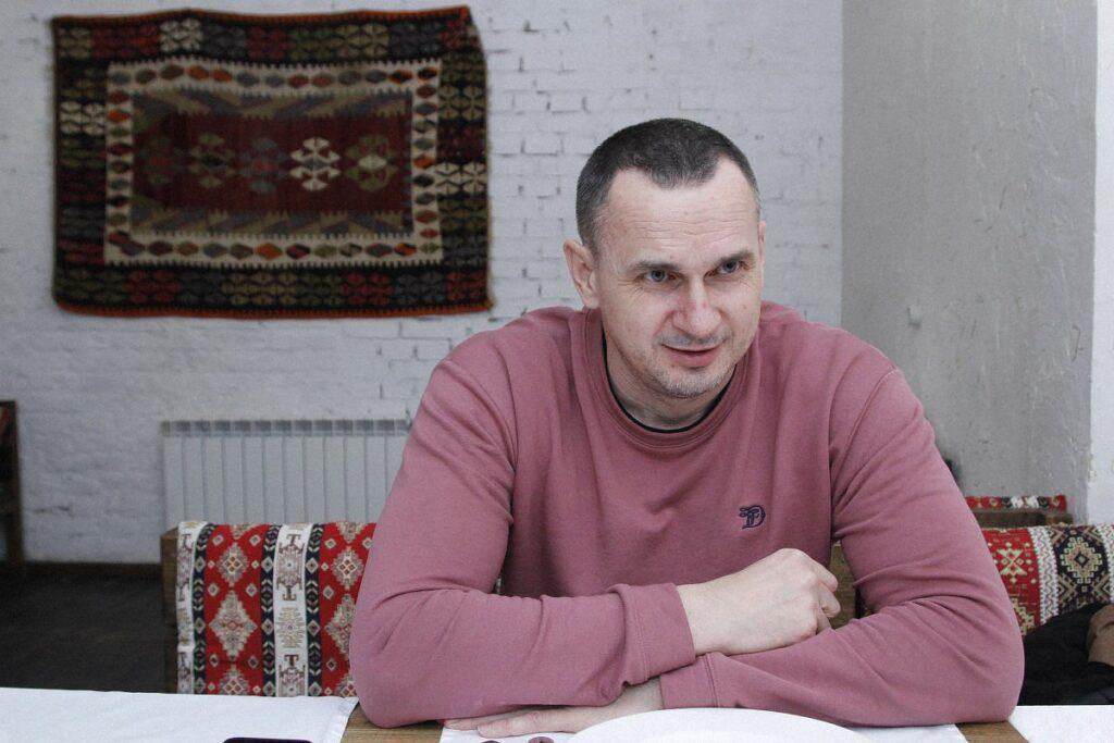 tortures special services sencov 1024x683 - <b>Как спецслужбы выбивают нужные признания из заключенных.</b> Предупреждаем: это сложно читать - Заборона