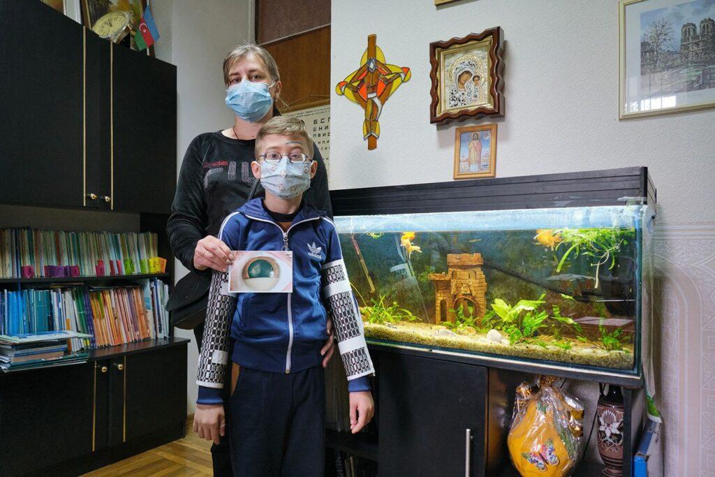 hallgrimsson doctor babushka 25 1024x683 - <b>Доктор Бабуся.</b> Офтальмологиня пів століття працює в Інституті офтальмології — фотоісторія Заборони - Заборона