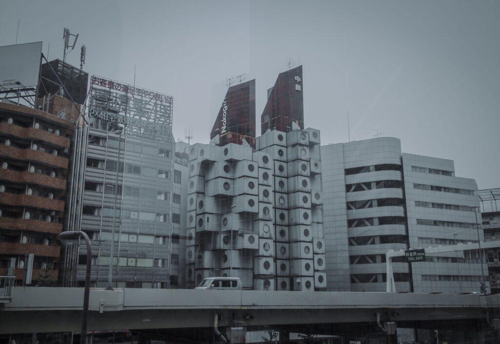 modernism destruction 02 1024x706 - <b>Модернізм під екскаватором.</b> Заборона уявила, що буде, якщо знести світові пам'ятки модернізму - Заборона