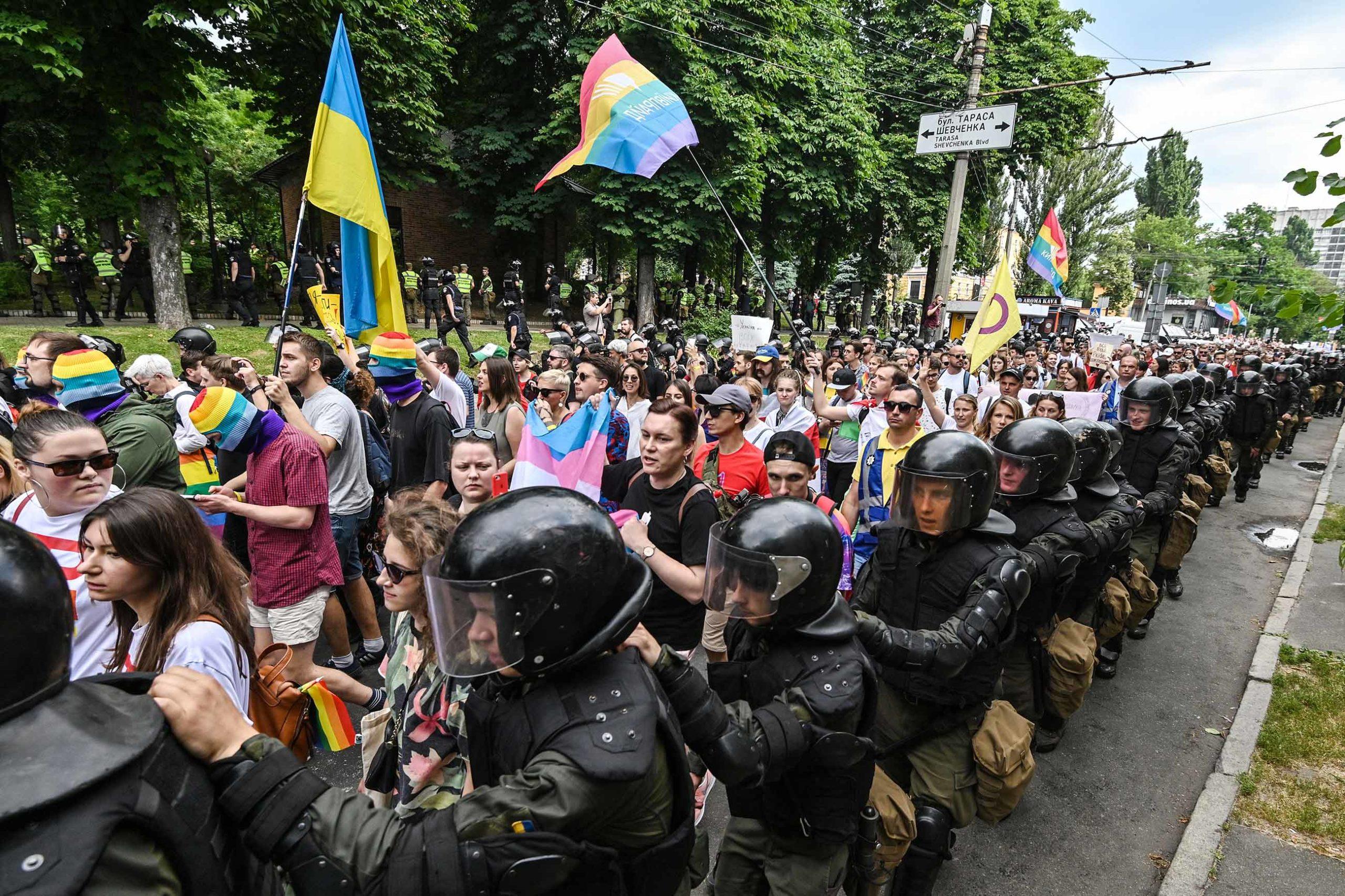 gettyimages 1151578011 scaled - <b>«Донбас-квір».</b> Як активіст із Бахмута дав голос ЛГБТ-спільноті Донбасу - Заборона