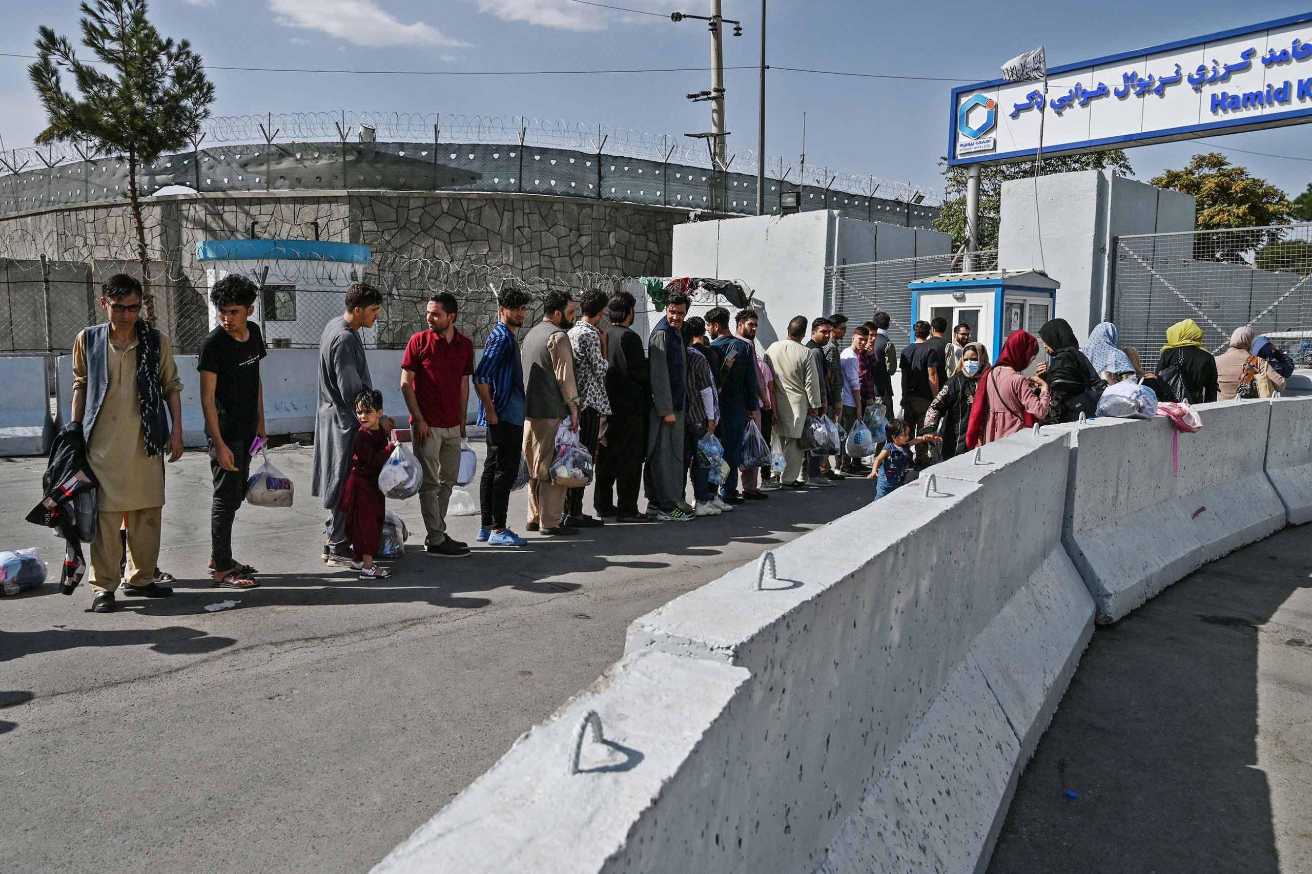 gettyimages 1234913233 scaled - <b>Українські військові допомогли евакуювати афганців із Кабула.</b> Але там залишаються громадяни України — і ними ніхто не займається - Заборона