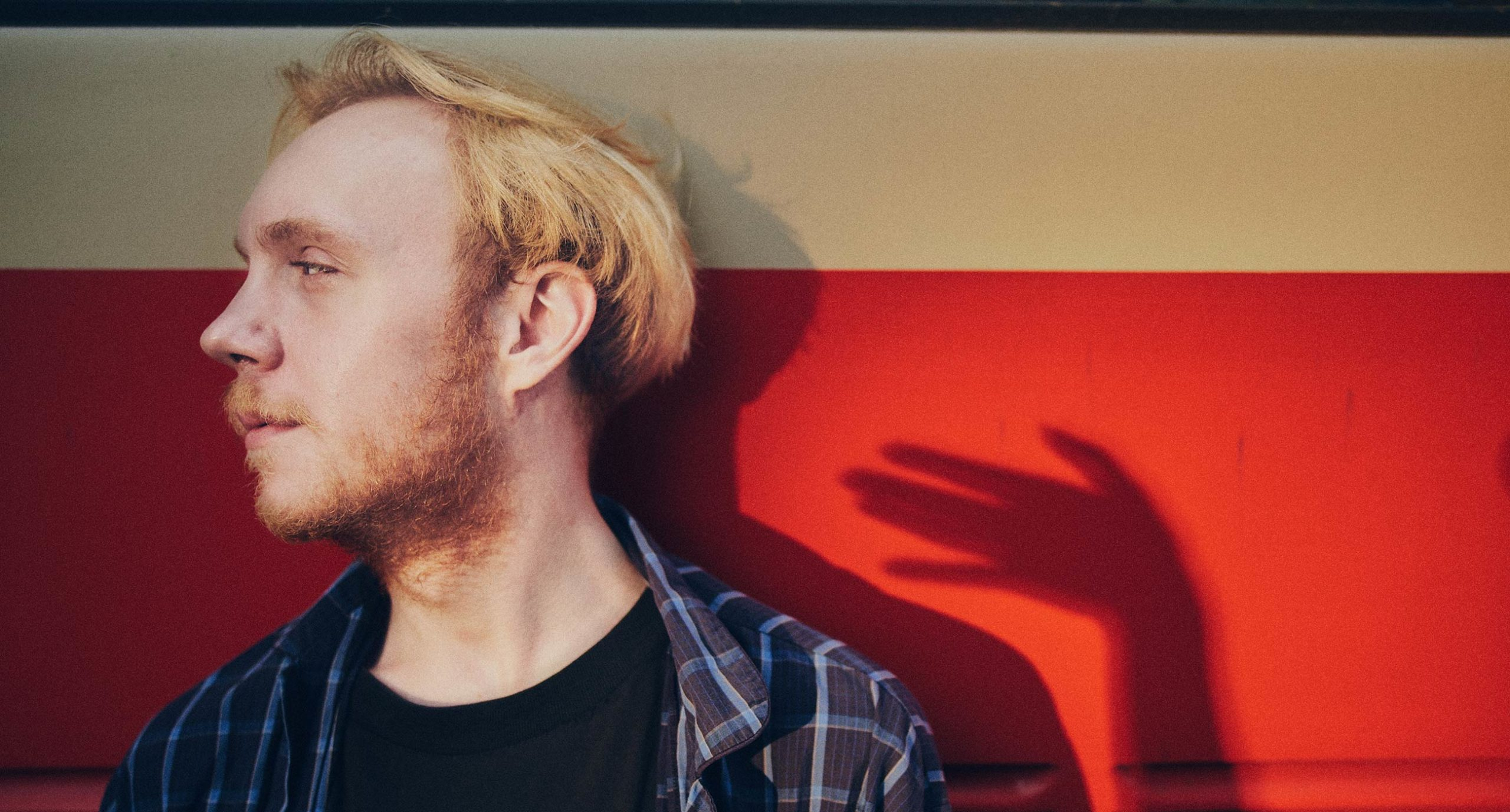 queer donbas cover scaled - <b>«Донбас-квір».</b> Як активіст із Бахмута дав голос ЛГБТ-спільноті Донбасу - Заборона