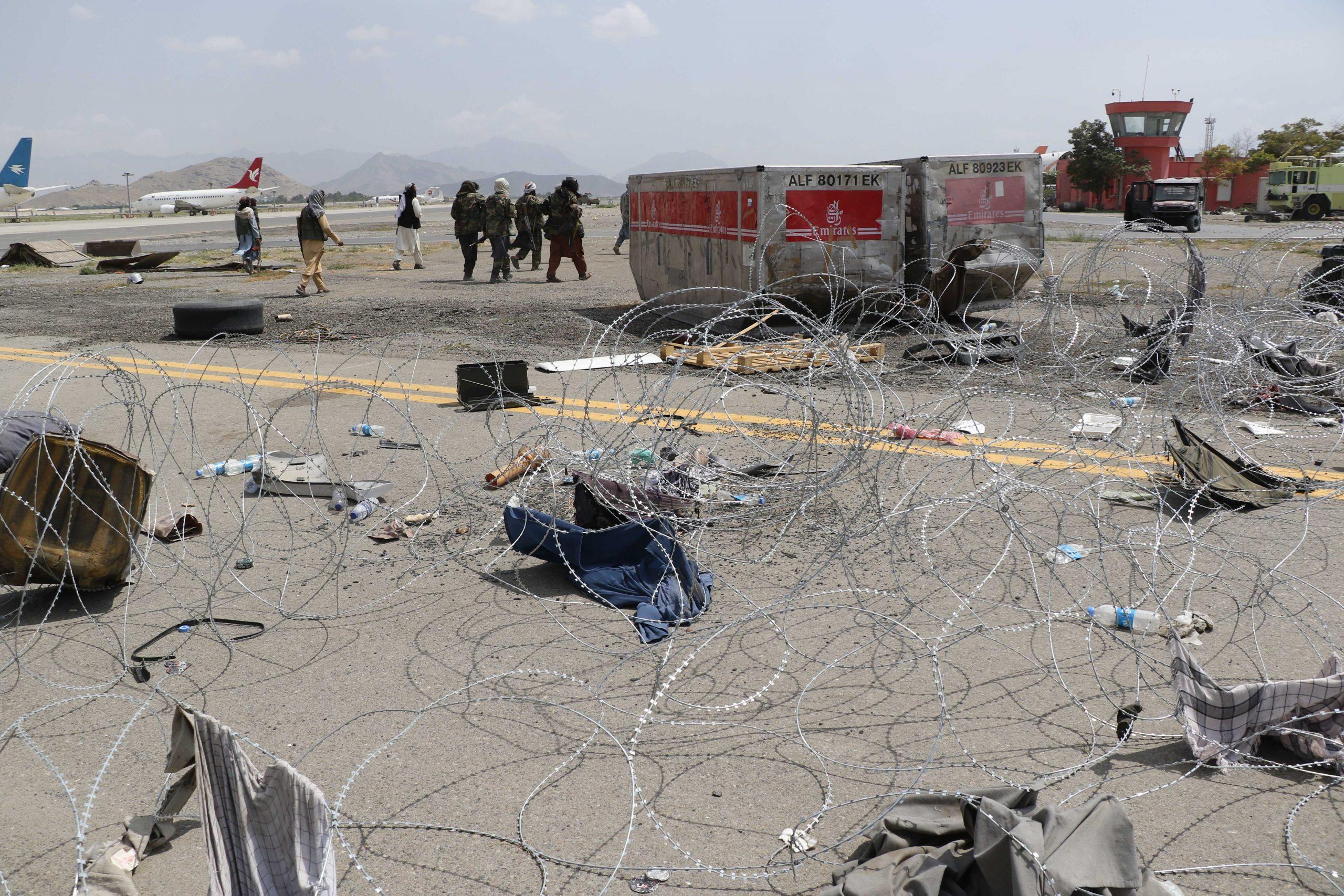 ukrainians in afganistan gettyimages 1234977739 scaled - <b>Громадяни України чекають на евакуацію з Афганістану, багатьом загрожує смерть.</b> Ми поговорили з цими сім'ями - Заборона