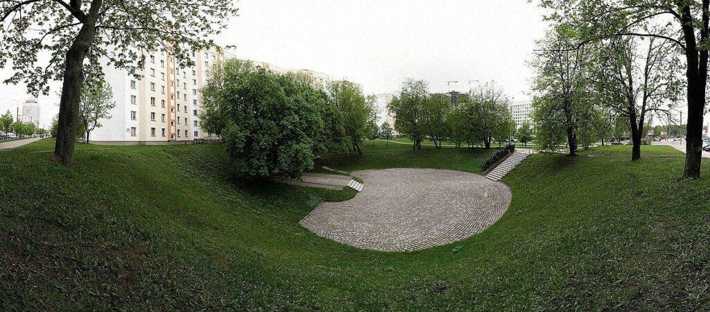 9 may 2010 minsk 050 1024x450 - <b>Бабин Яр дав нацистам план масових убивств. Аушвіц став продовженням — </b>розповідаємо про головні меморіали Голокосту - Заборона