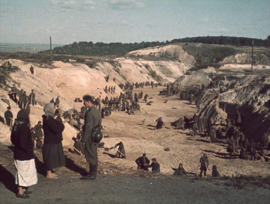 babi yar 06 194 1024x775 - <b>Бабин Яр дав нацистам план масових убивств. Аушвіц став продовженням — </b>розповідаємо про головні меморіали Голокосту - Заборона