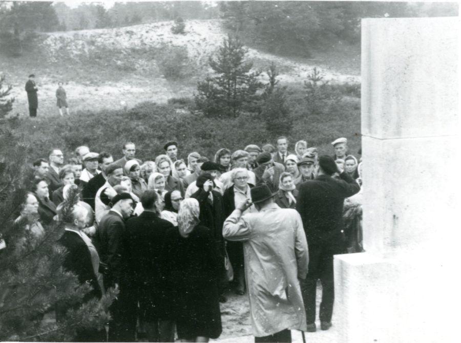 ermtmfk1446 1 pisipilt - <b>Бабин Яр дав нацистам план масових убивств. Аушвіц став продовженням — </b>розповідаємо про головні меморіали Голокосту - Заборона