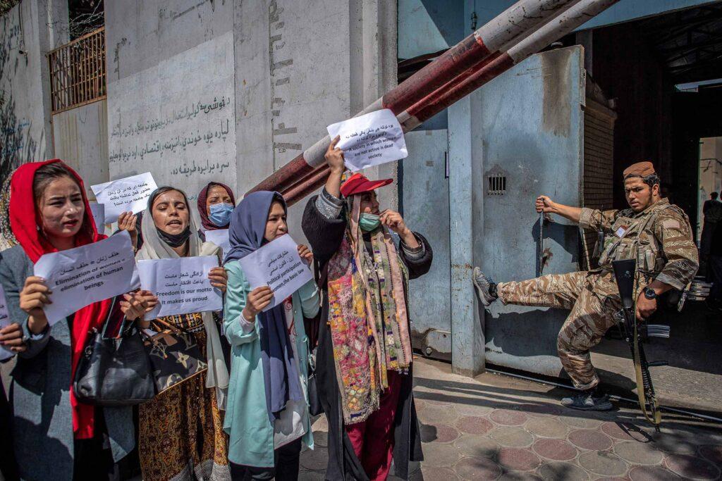 gettyimages 1235351914 1024x683 - <b>Прошло полтора месяца после прихода «Талибана» к власти в Афганистане.</b> Вот как (кардинально) изменилась жизнь в стране - Заборона