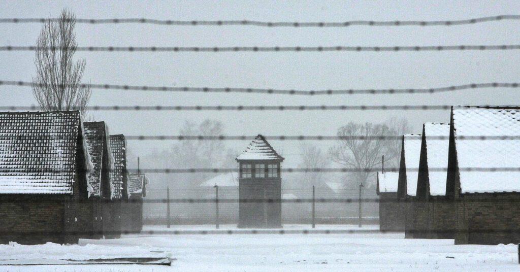 gettyimages 52066060 1024x536 - <b>Бабин Яр дав нацистам план масових убивств. Аушвіц став продовженням — </b>розповідаємо про головні меморіали Голокосту - Заборона