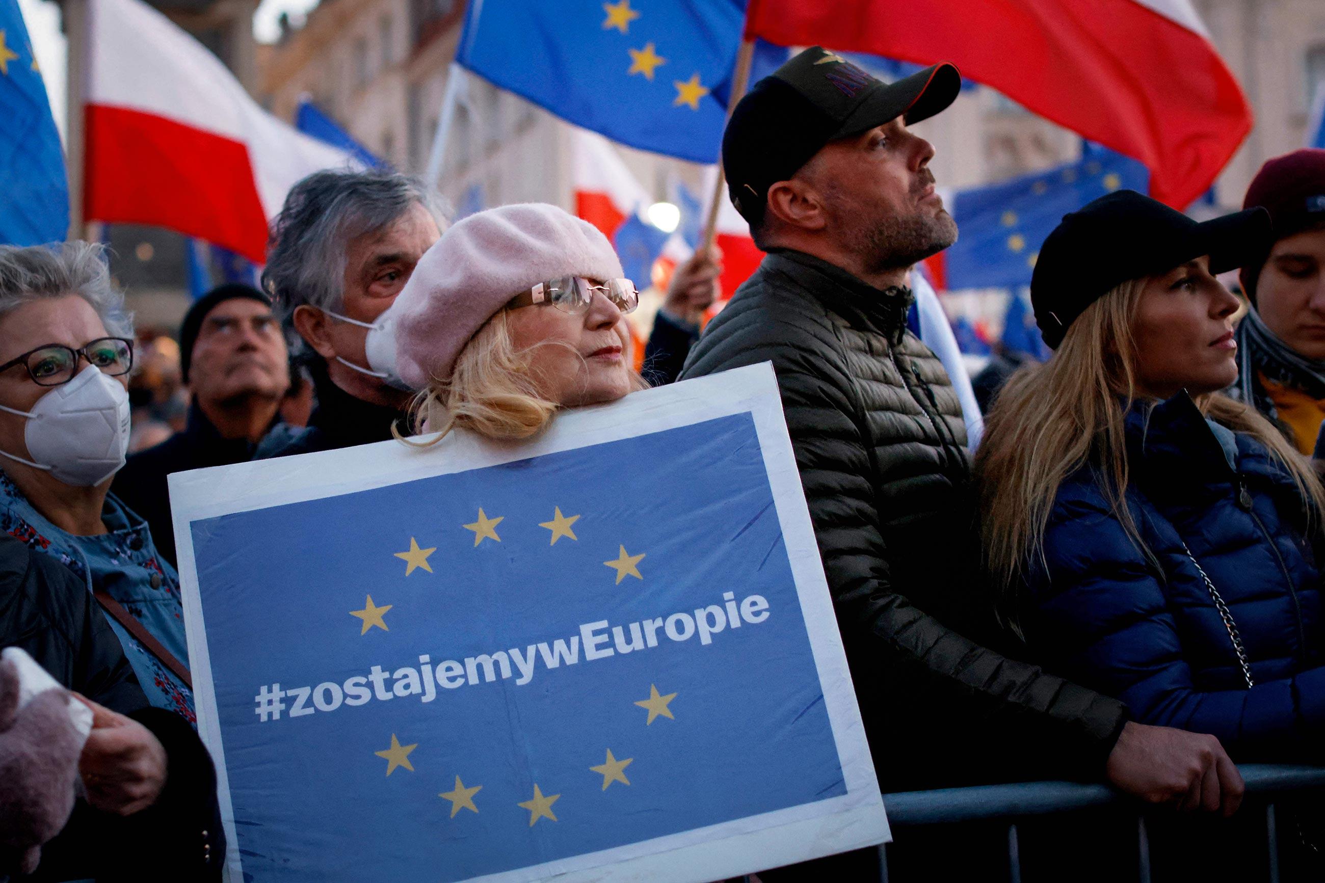 gettyimages 1235806807 - <b>Поляки протестуют против выхода из ЕС.</b> Журналистка Забороны в Польше объясняет, что происходит - Заборона