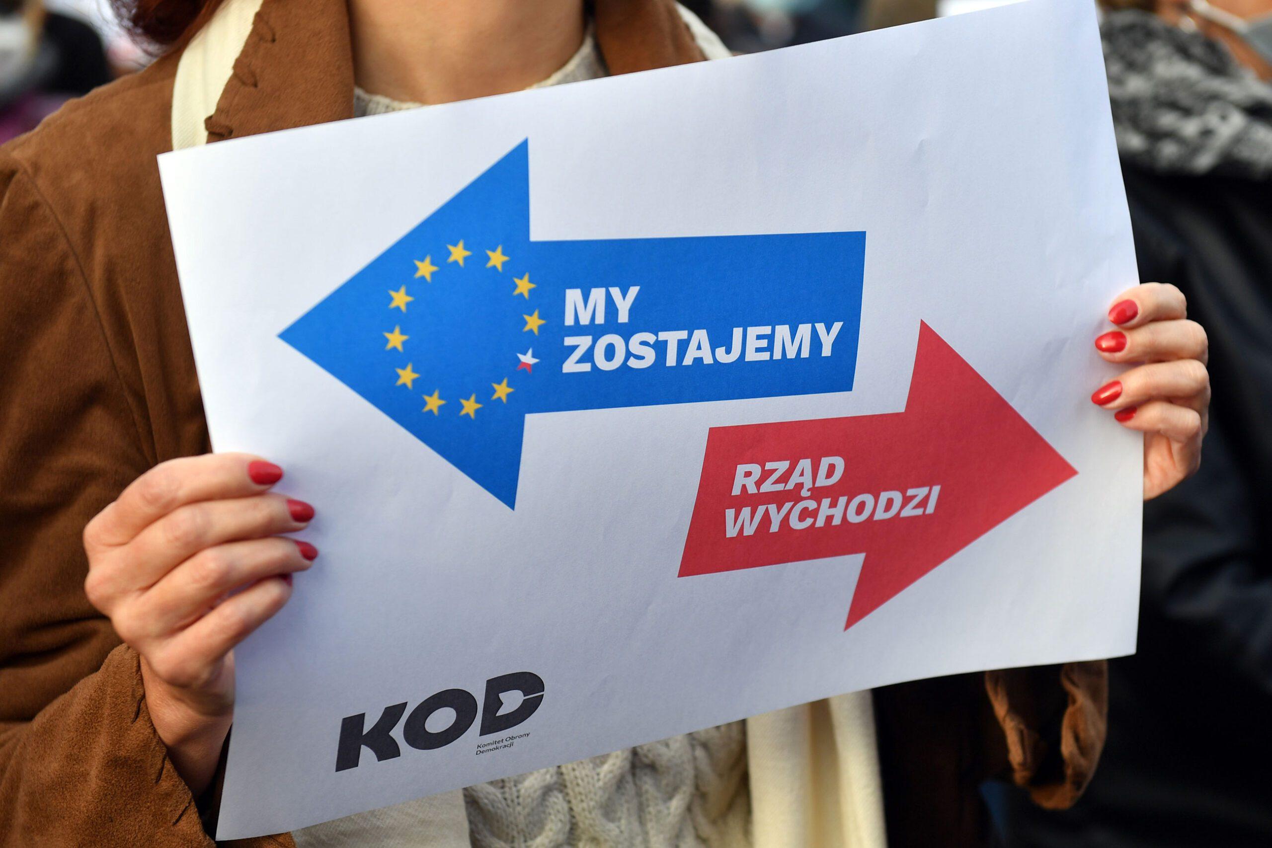 gettyimages 1235813446 - <b>Поляки протестуют против выхода из ЕС.</b> Журналистка Забороны в Польше объясняет, что происходит - Заборона